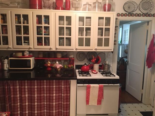 red stuff in kitchen 3