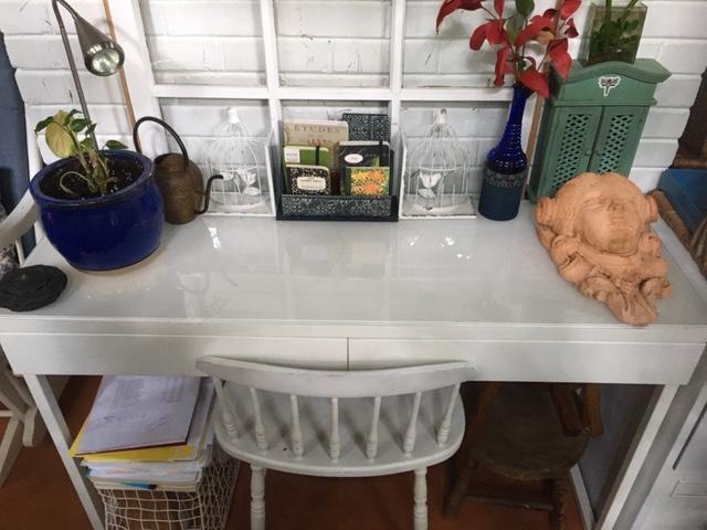 sunporch desk