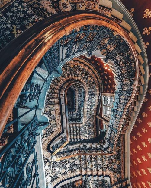 St Pamcreas Hotel staircase from Internet